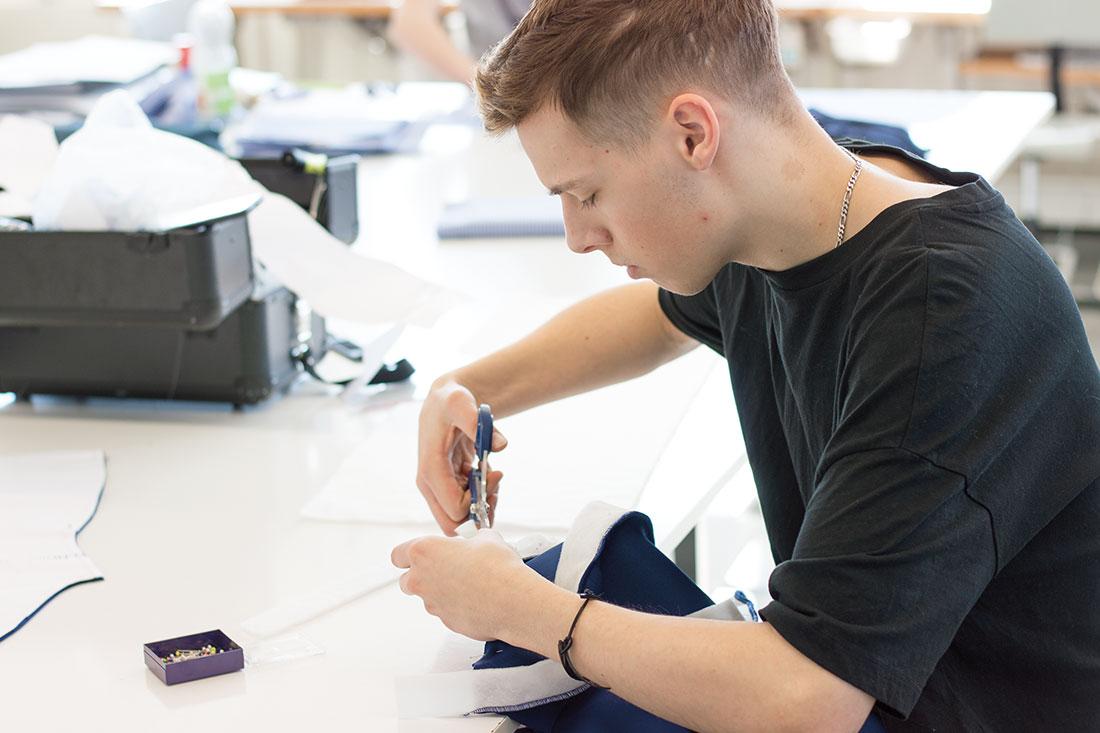 Unterricht Meisterschule für Mode Manuel Fritz